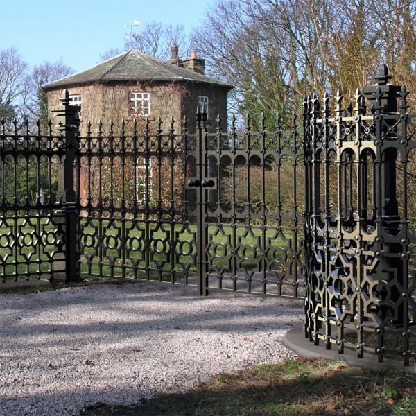 Stewart driveway gate heritage cast iron usa for Driveway gates online