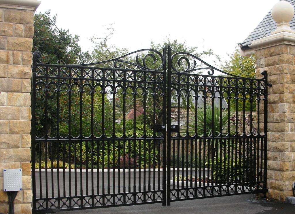 Richmond driveway gate heritage cast iron usa